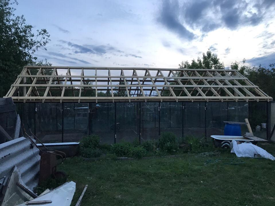 Gable roof for a large greenhouse